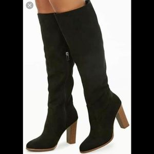 STUNNING FAUX SUEDE BOOTS SIZE 5.5 NWOT